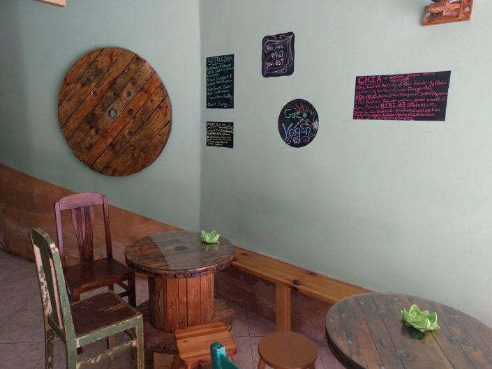 A l'intérieur de Green Mood, restaurant vegan de Gozo