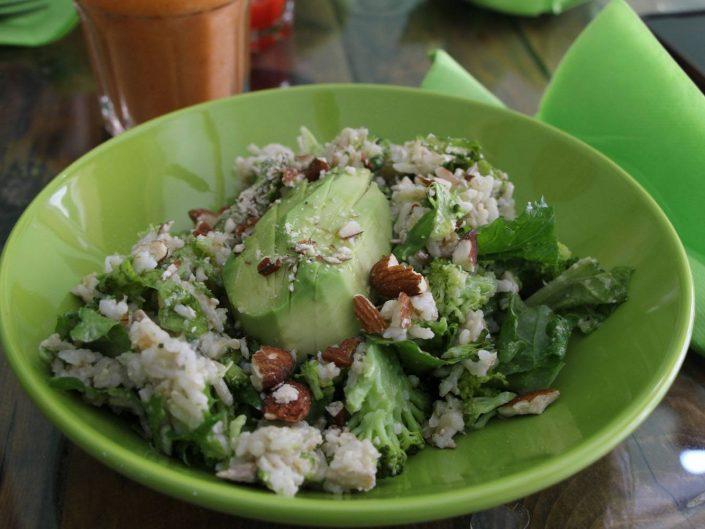 Salade healthy et vegan chez Green Mood à Gozo