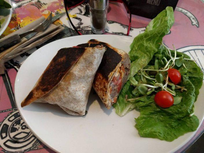 Vegan burrito à The Grassy Hopper Gzira
